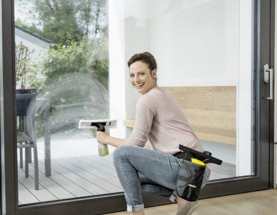 cEl limpiador de cristales Karcher WV 1 Plus, limpiará las ventanas sin esfuerzo, sin que queden marcas y 3 veces más rápido